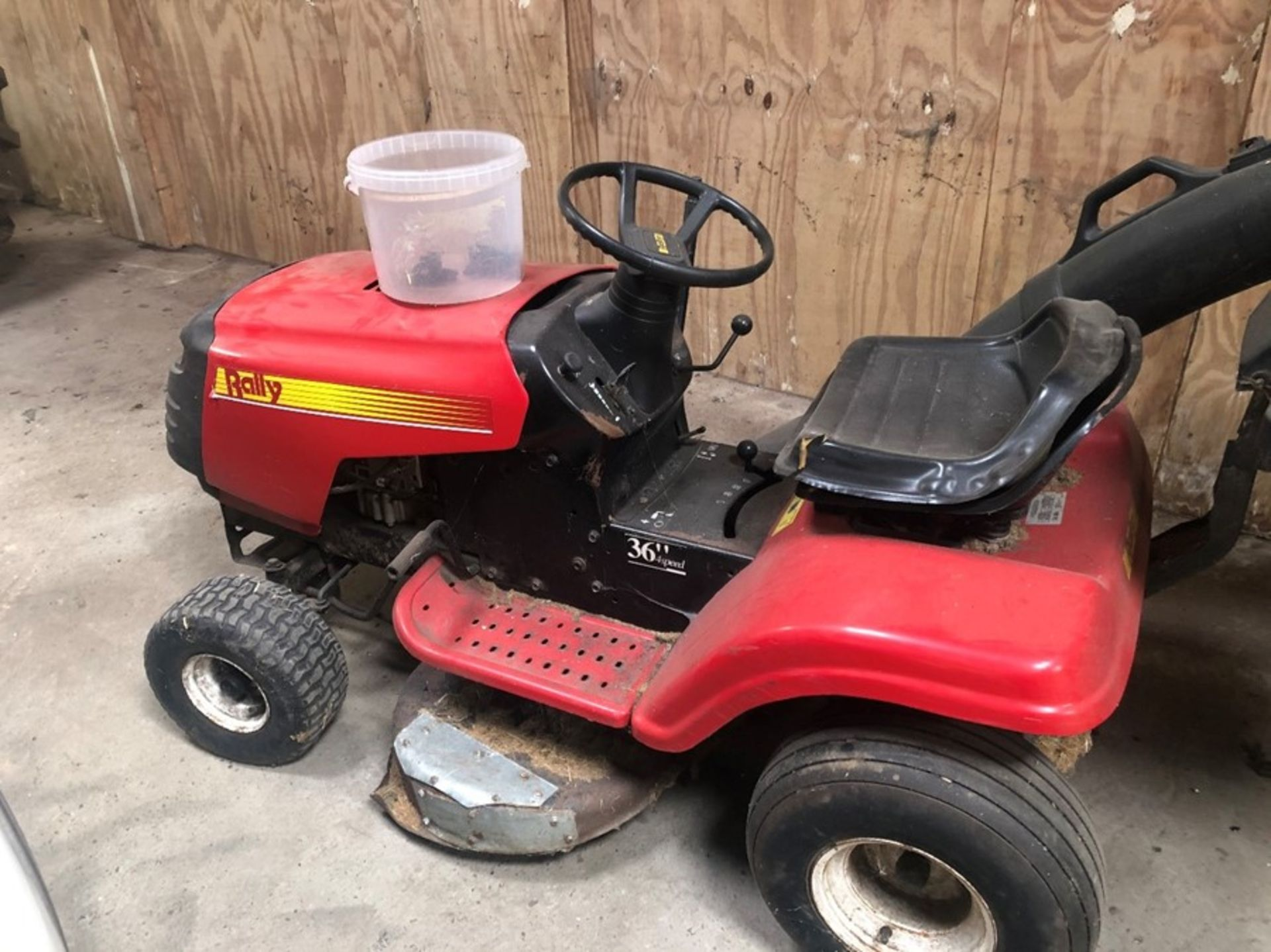 Rally ride on mower 36in, needs new engine