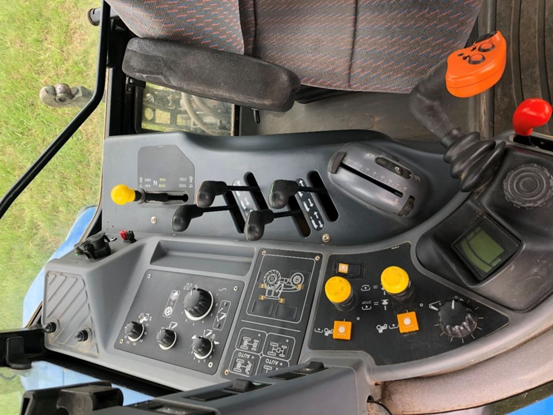 (07) New Holland TM 155 - Image 4 of 10