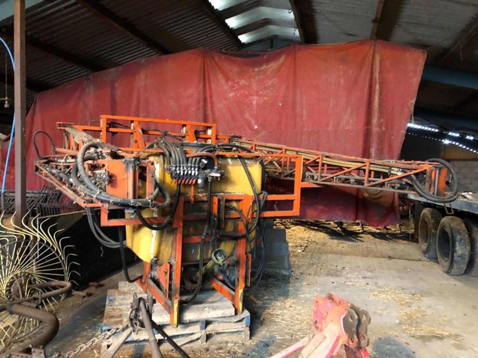 Allman Unibuilt 20m mounted sprayer, 1000lt tank with Allman front tank, not NSTS tested, manual