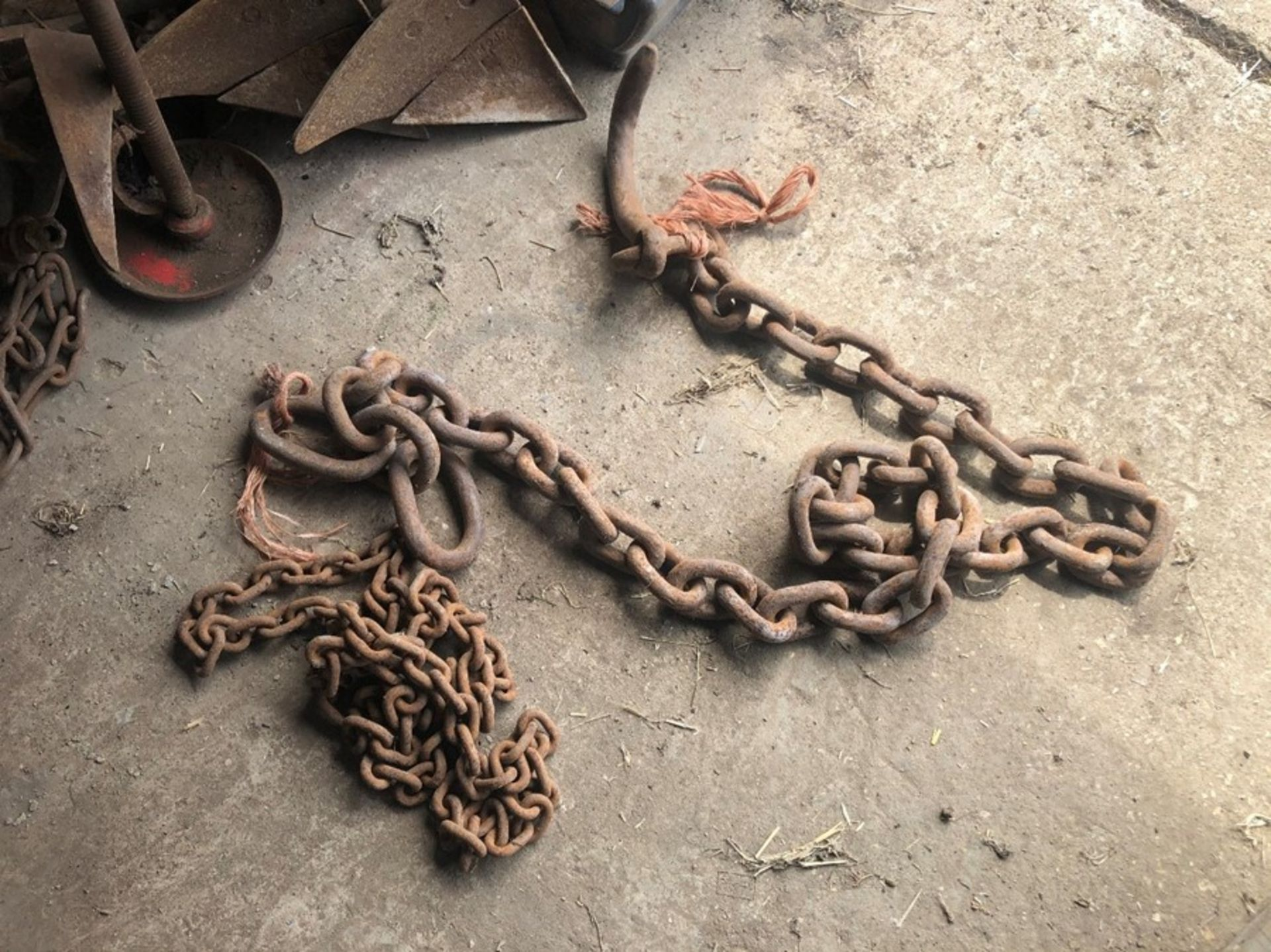 Pair of chains - Image 2 of 2