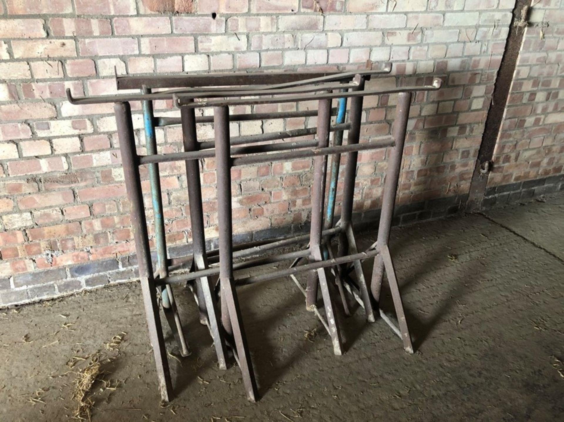 4 x builders trestles