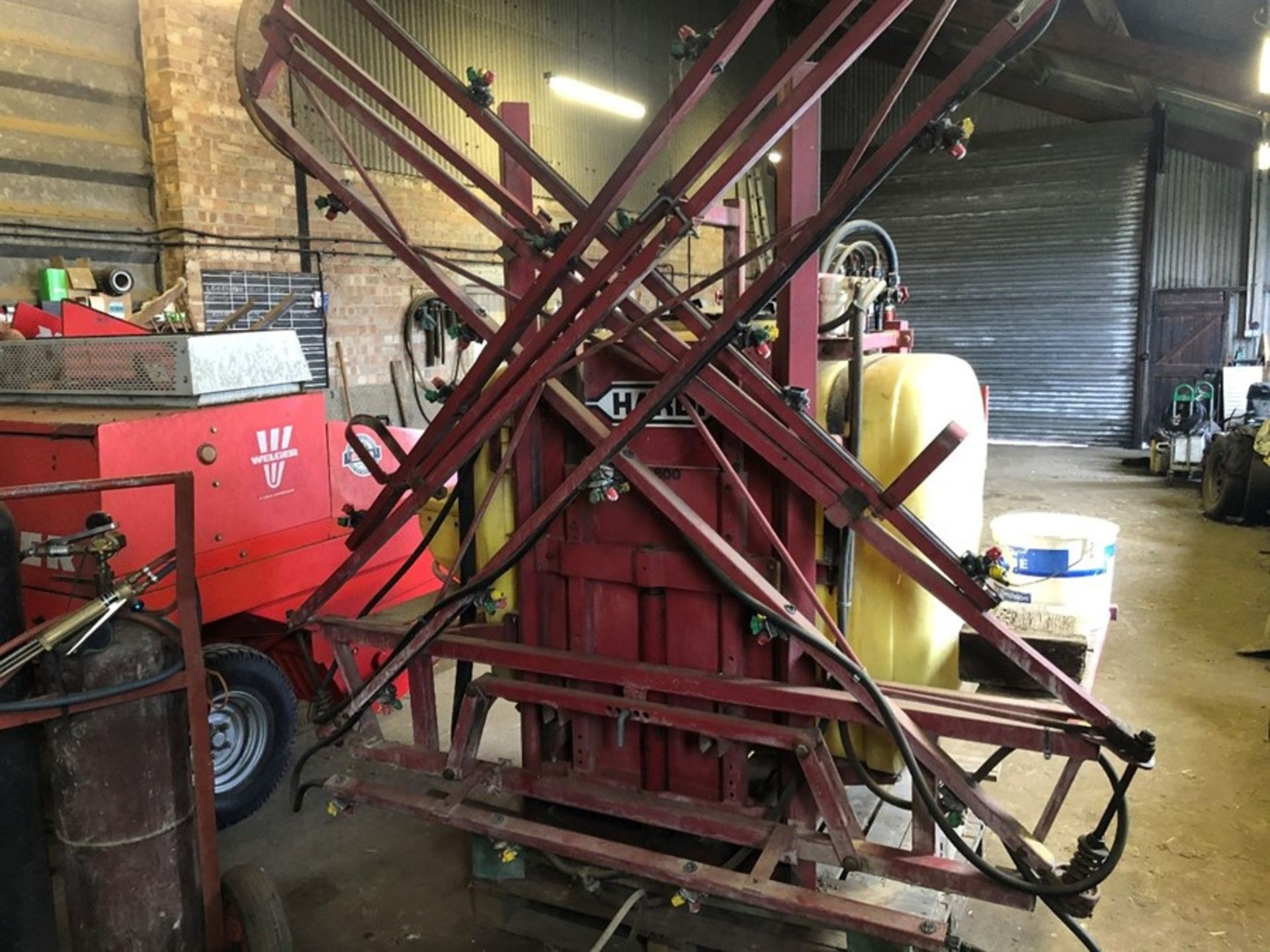 Hardi 12m 800lt manual sprayer with induction hopper, PTO shaft, not NSTS tested - Image 2 of 2