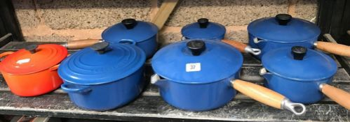 QTY OF LE CREUSET COOK WARE