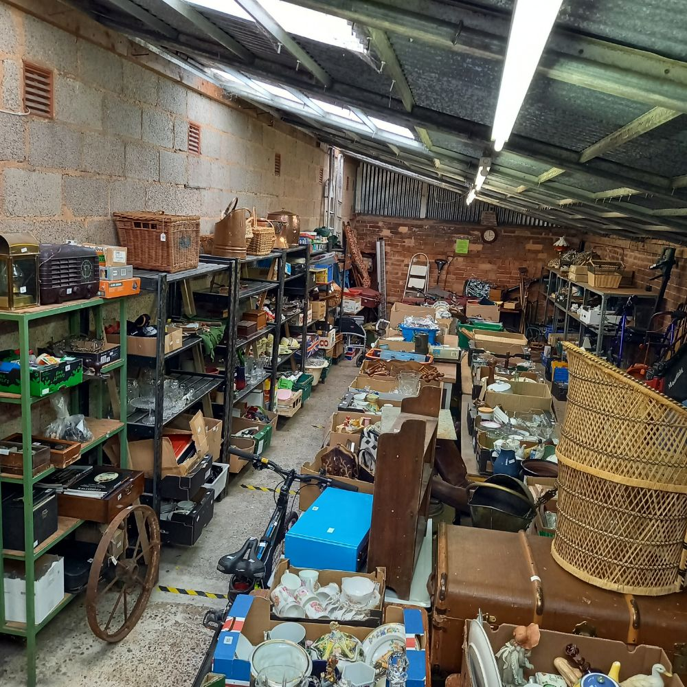 Whitton & Laing - Queens Road Auctions - 2 DAY SALE -  ANTIQUE AND MODERN FURNISHINGS, SILVER, JEWELLERY, COINS & COLLECTABLES