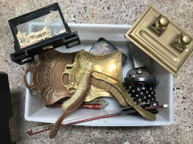 CARTON WITH BRASS & GLASS INK SET, BRASS CRUMB SCOOP & OTHER BRASS WARE