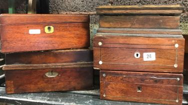 SHELF OF VARIOUS WOODEN BOXES - SOME A/F