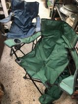 2 COLLAPSIBLE PICNIC CHAIRS WITH BAGS
