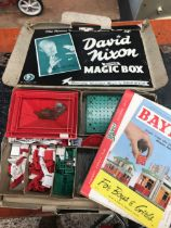 VINTAGE BOXED BAYKO BUILDING SET, READERS DIGEST GREAT WORLD ATLAS & BOX SET OF SAY IT WITH