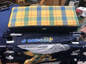MAXI SLEEP TRAVELLING COT WITH TRAVEL BAG
