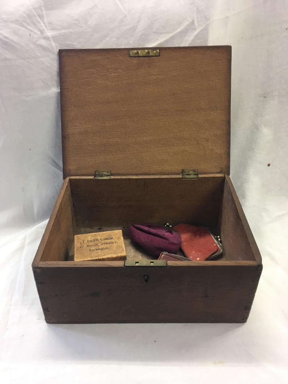TWO WOODEN CASKETS - 1 INCL; VARIOUS EMPTY PURSES - Image 6 of 6