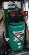 A RONSEAL FENCE SPRAYER & A QTY OF METAL STRUTS