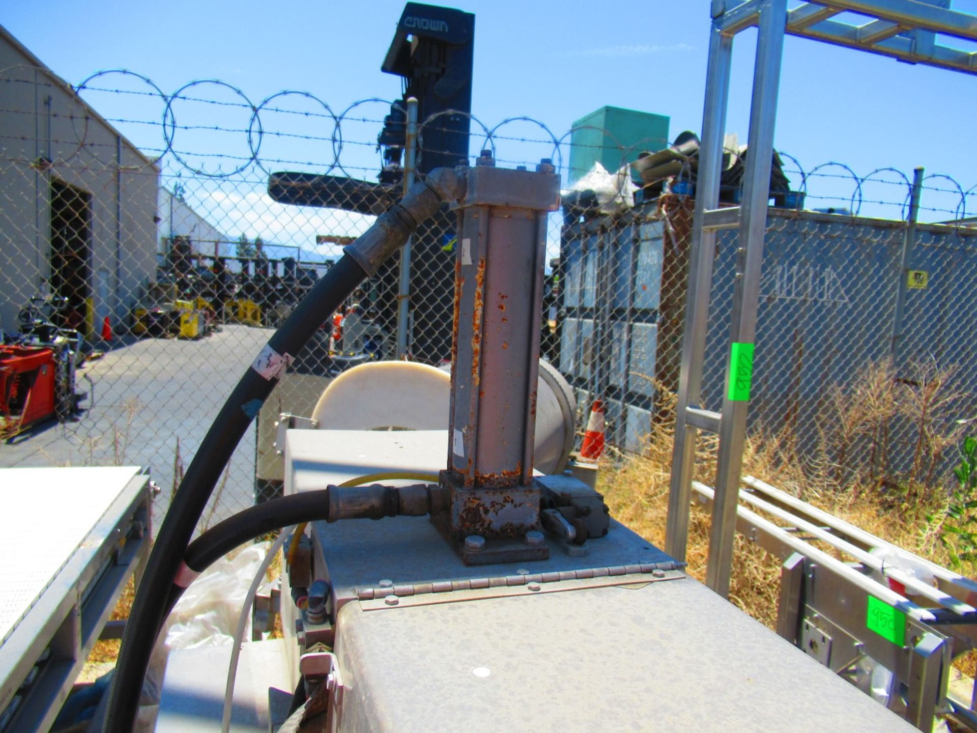 Hydraulic Can Crusher - Image 5 of 6