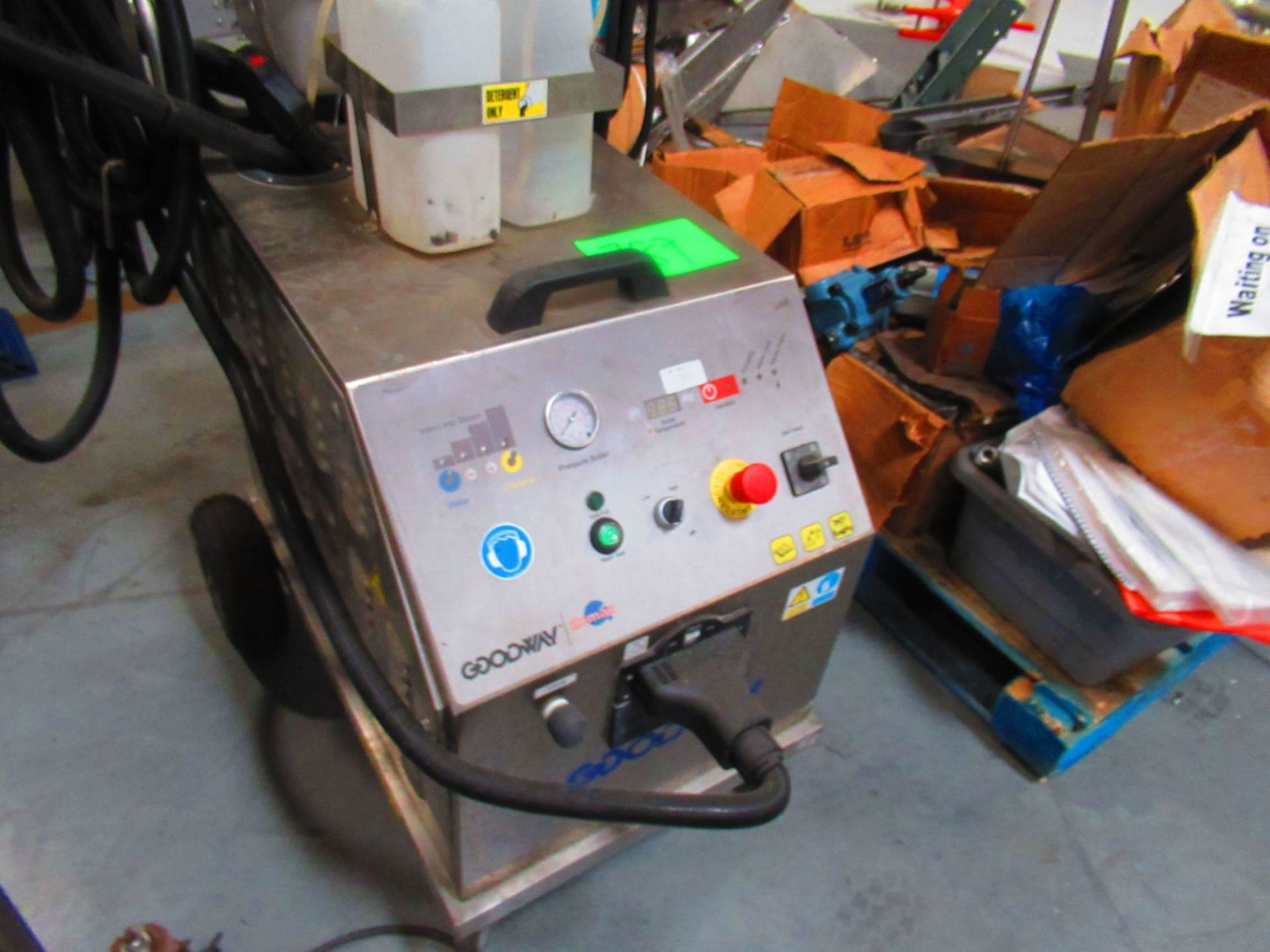 Steam Cleaner - Image 3 of 4