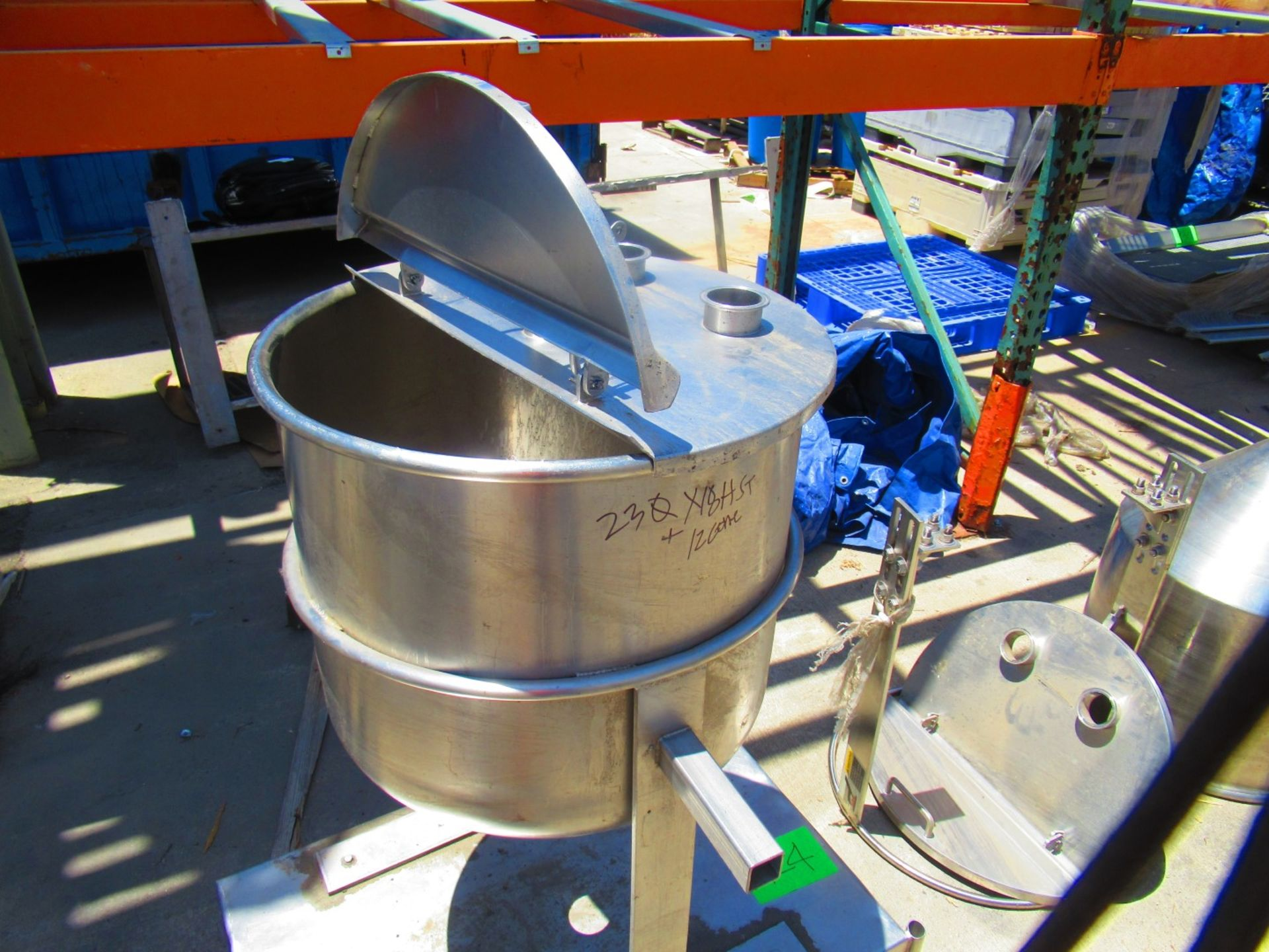 Cone tank - Image 2 of 3