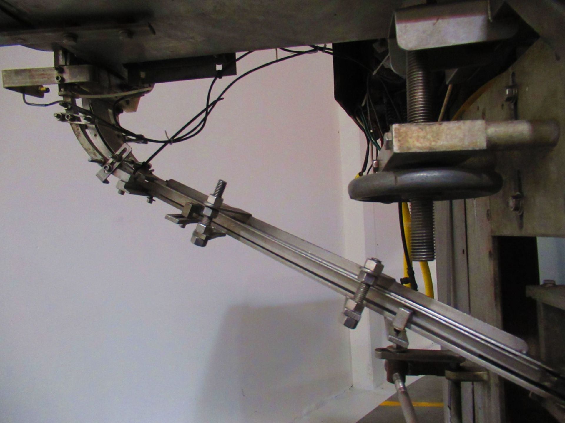 Spindle Capper - Image 3 of 6