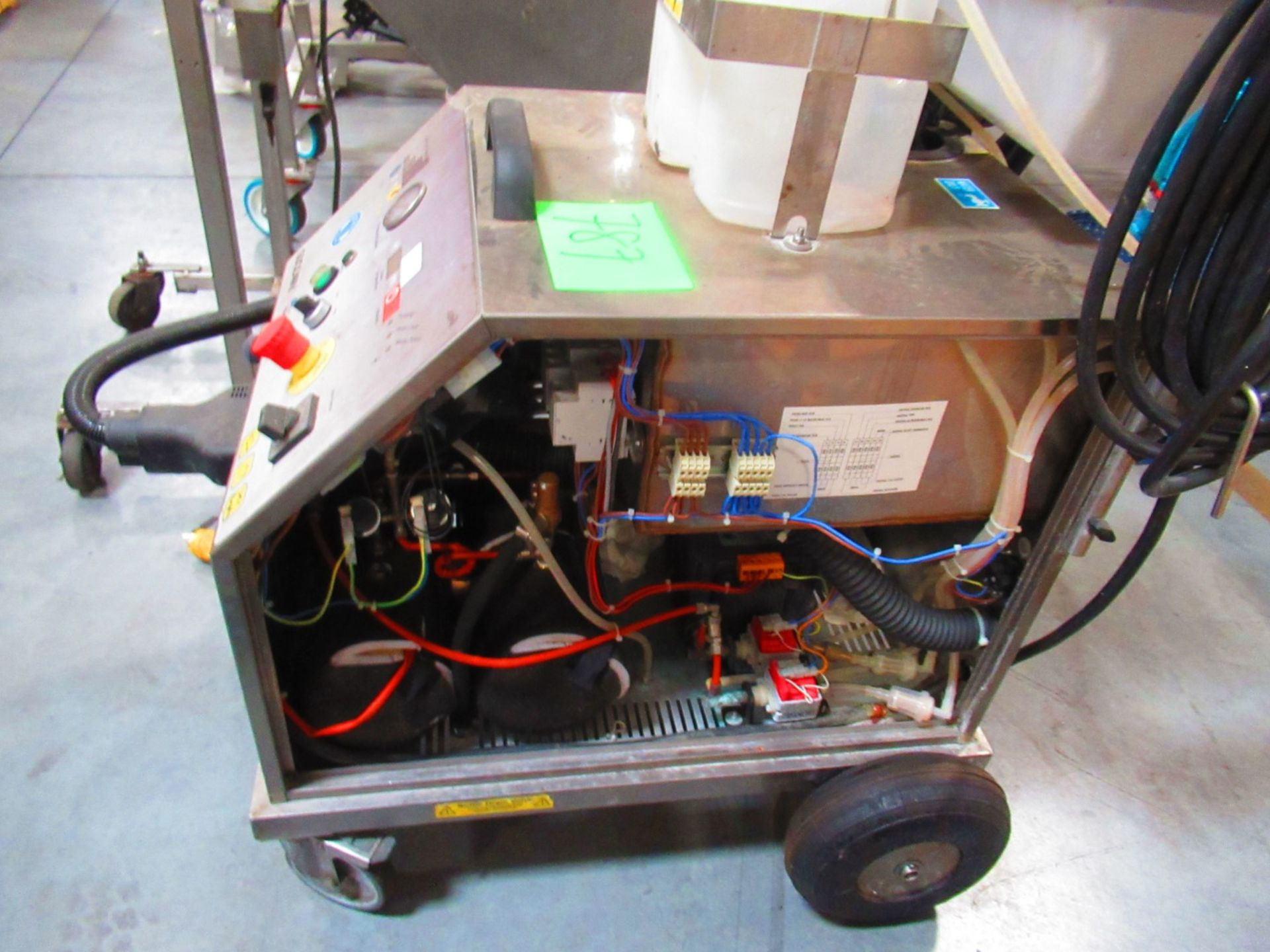 Steam Cleaner - Image 4 of 4