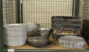Various cooking trays, metal plates, large sieves