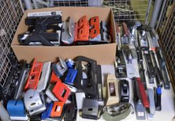 Office Equipment - Hole Punchers, Staplers, Dispencers