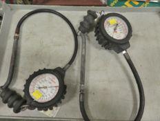 2x Self Centered Tyre Pressure Gauges