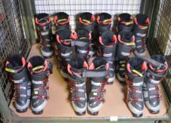 8x Pairs of Ski Boots - various makes & sizes