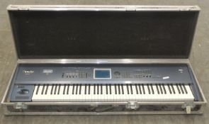 Korg Triton Extreme Keyboard/Synthesiser in flight case (broken handle) - L1510 x D490 x H230mm