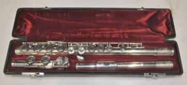 Yamaha 411 II Flute in case - serial number - 307288.
