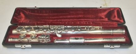 Yamaha 411 II Flute in case - serial number - 307582.