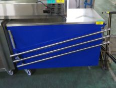 Mobile servery counter with tray rail & under counter storage - 1200mm x 600mm x 880mm