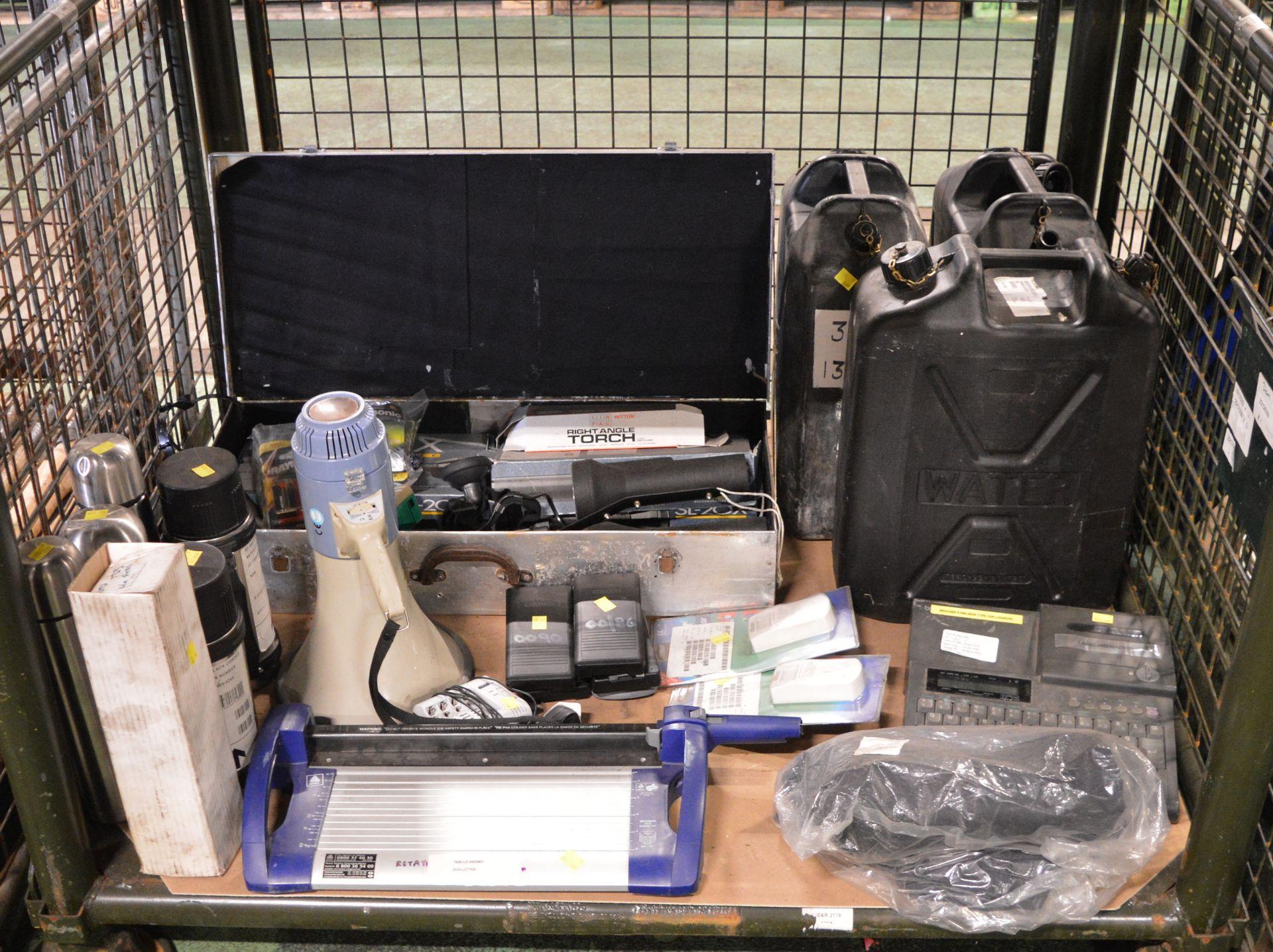 RCD Adaptor Circuit Breaker, 6x Flasks, Domestic Torch, Mirror, Case, Space Heater, Domest
