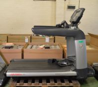 Life Fitness 95T Flex Deck shock absorption system treadmill - unknown voltage
