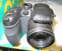 Fujifilm FinePix S1500 Camera
