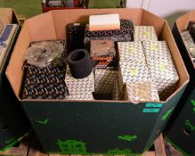 Vehicle parts - shock absorber kits, brake discs, air filters - see picture for itinerary