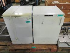 Gram White Single Door Fridge 240v L600mm x W630mm x H800mm, Hotpoint RZAV21 White Single
