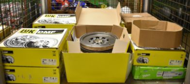 Dual Mass Flywheels - LUK, Valeo - please see pictures for examples of make and model numbers