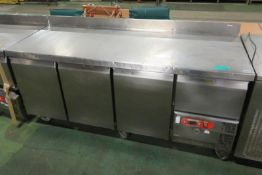 TR4 Star Refrigerator - 230V 50HZ - H960 x W1860 x D700mm