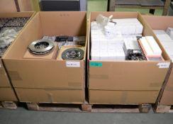 Vehicle parts - air filters, oil filters, strut top mount kits, pad sets, clutch kits - se