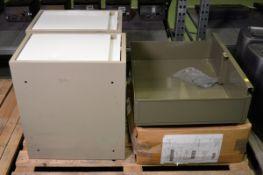 Underbunk Storage Tray L 670mm x W 530mmx H 220mm, 2x Storage Box L 500mm x W 560mmx H 330