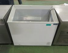 Polar CM433 Display Freezer - 230V 50HZ - H880 xW950 x D550mm - AS SPARES OR REPAIRS