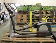 Life Fitness Fit Stride Total Body Trainer cross trainer