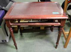 Wooden Writing Desk (minus drawer) - H780 x W910 x D610mm