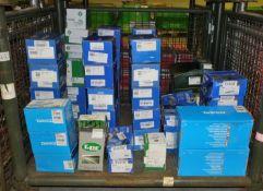 Brake Calipers, Gear Selector Linkage, V Belt Tensioner, Belt Drive Components, Alternator