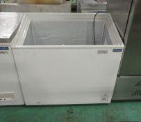 Polar CM433 Display Chest Freezer - 230V 50HZ - H 880mm x W 950mm x D 550mm - AS SPARES OR