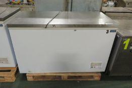 Polar CM 630 Chest Freezer L 1400mm x W 700mm x H 850mm - NO HANDLES