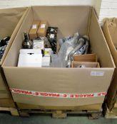 Vehicle parts - brake calipers, front brake discs, CV joints, rear wheel bearing kit, powe