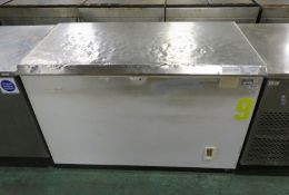 Gram CF410S Chest Freezer L 1300mm x W 730mm x H 890mm