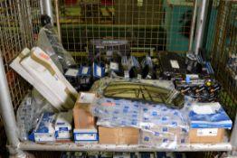 Vehicle parts - fuel injectors, suspension arm RH, multiribbed belt, V-belt, heated mirror