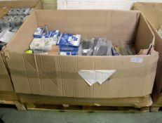Vehicle parts - locknuts, belt tensioners, wheel nuts, ABS ring, wiper blades. copper grea
