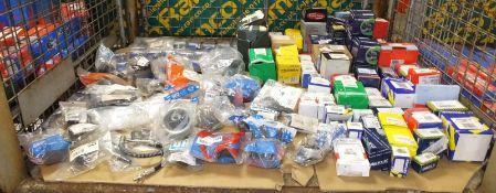 Various car parts - washer pumps, EGR Valve, oil filters, stabiliser mountings,