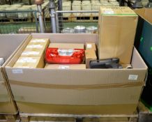 Vehicle parts - headlamp LH, RH rearlamps, RH mirror assemblies - see picture for itinerar