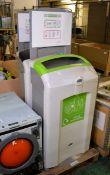 2x Recycling bins